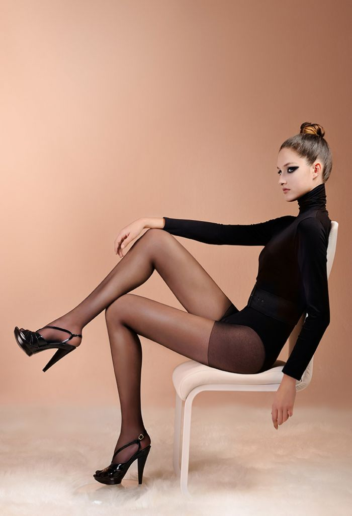Laura Biagiotti Elegnat 20 Tights 20 Denier Thickness, Calze Collant | Pantyhose Library